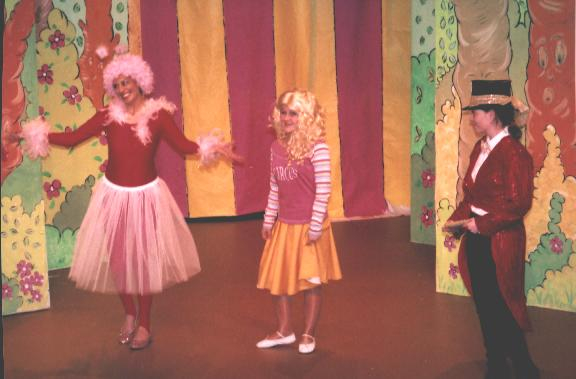 "Phone Sylvia on 724979 to see ""Goldilocks and the 3 bears"""